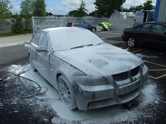 Pre-wash with snow foam.